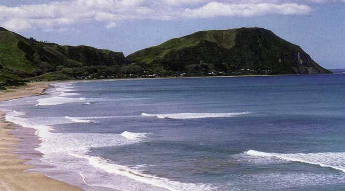 Makorori Beach